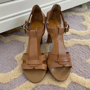 BN Franco Sarto L-Giada leather sandals